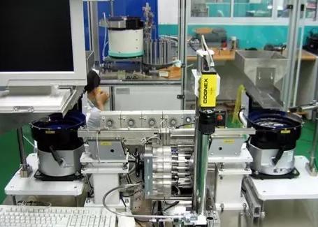 工业机器人的眼睛视觉系统该如何选择?